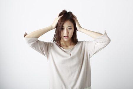 抜け毛が気になる女性におすすめ!シャンプーで薄毛を解消させる方法