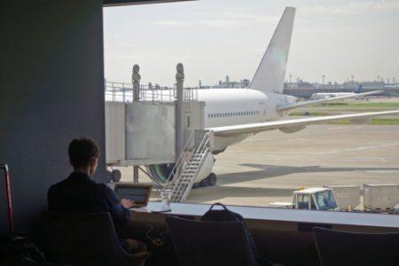空港ラウンジに入れるプライオリティ・パスを手に入れる方法