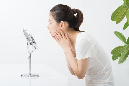 化粧崩れを防止するオイリー肌女子の為のスキンケア方法とは?